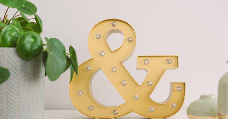 decorative ampersand